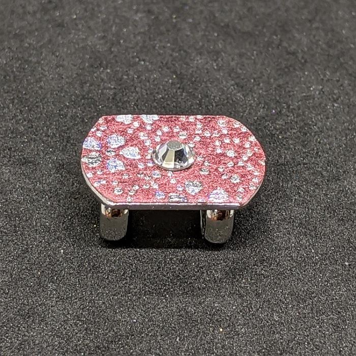 京都の伝統工芸士が手掛ける一点もの 高級感のある ラグジュアリーを日常に プレゼントに最適 目立つ 金彩工芸 ひとつひとつ心を込めて作っています クリスマスプレゼント 帯留め 極小 送料無料 京都着物職人手作り スワロフスキー付き薔薇色箔 鮫桜小紋 銀ダイヤ箔仕様 ギフトラッピング無料 一点もの 誕生日プレゼント お出かけ用 プレゼント 和 母の日 ラグジュアリー スピード対応 全国送料無料 ギフト用 上品 ギフト対応 どこにもない 登場大人気アイテム おしゃれ 珍しい 日本製