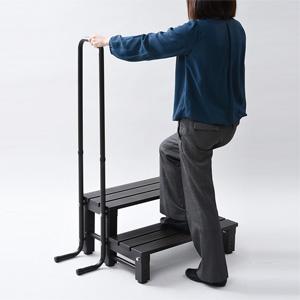 取手付きアルミ2段踏み台 a16440 【送料無料】 [取っ手付きでお年寄りやお子様も安全な昇降台] アルミ踏み台 アルミ製踏み台 2段ステップ アルミステップ アルミ製ステップ 手すり付き