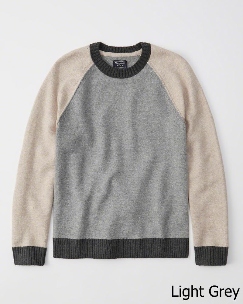 Abercrombie&Fitch (アバクロンビー&フィッチ) 正規品 バーシティーラグランクルーネックニット (セーター) (Varsity Crew Sweater) メンズ (Light Grey) 新品