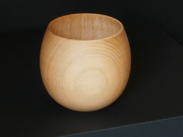 味わいある木のカップ お気に入 木製 エッグ型 フリーカップ ナチュラル カップ くりぬき グラス 1個 ランキングTOP10