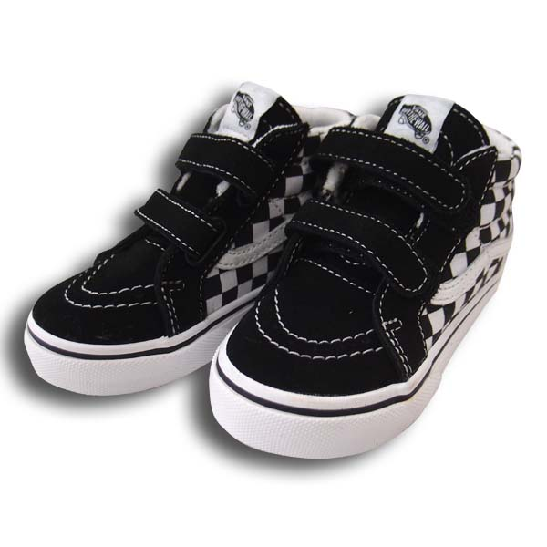 It is received from US VANS! Kids model of the popular skating mid. It is  easy to treat it with two Velcro stopper. 2.5cm becomes big made than maker  ... 473b71949