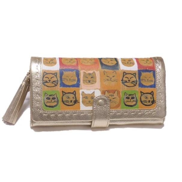 持っていて大満足 パッと目を引く人気のお財布 Manhattaner's マンハッタナーズ 年中無休 長財布 30周年記念エディション 新色 顔の整列 かぶせタイプ