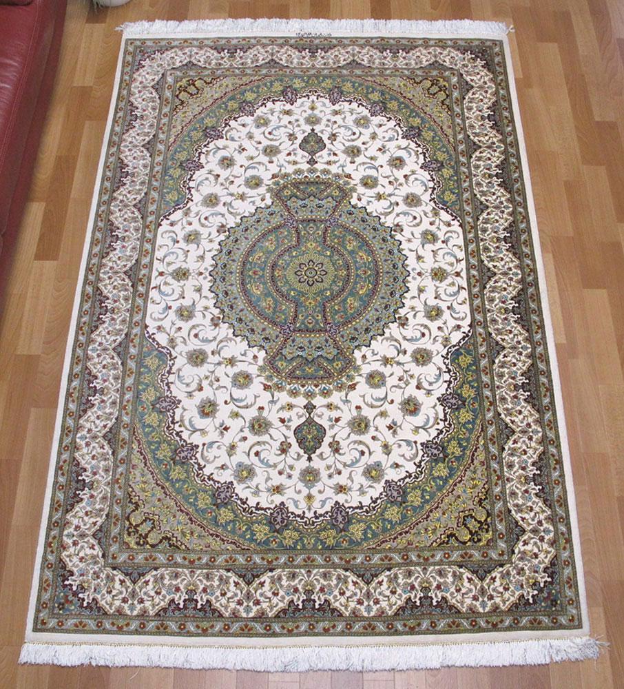 ペルシャ絨毯 手織り 高級 シルク100% リビングサイズ 200×133cm イラン直輸入 クム産 高品質 じゅうたん ラグ (品番:FL-160905)