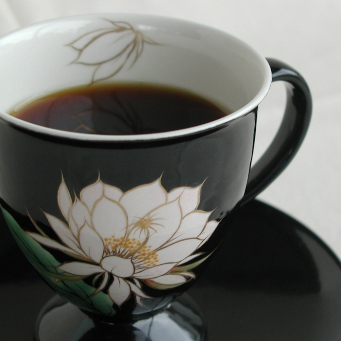 京焼・清水焼カップ&ソーサー(ブラック・月下美人)