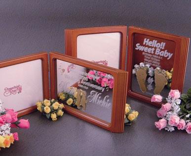 ブック型(縦)フォトフレーム(写真彫刻付)(写真右の商品です。)出産記念