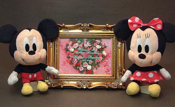 Disneyディズニー人気ぬいぐるみ(ミッキー・ミニー)とアンティーク調ウエルカムボード(ゴールド)の3点セット、送料無料(沖縄・離島などを除く)誕生日・クリスマスギフト、結婚記念、結婚祝いギフト、ブライダルドール、ウエディングドール、ウエルカムボード