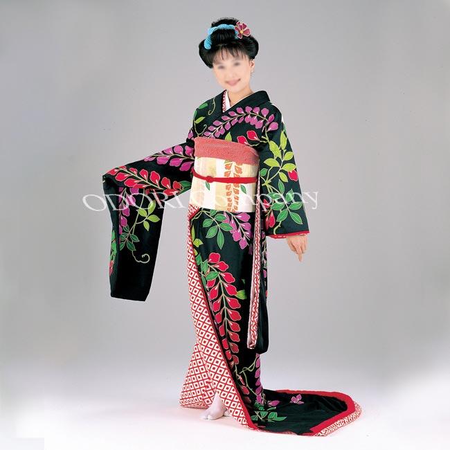 藤原女儿衣服剪裁紫藤红色粉红色黑色和白色