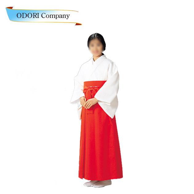 巫女装束 神職 寺 神社