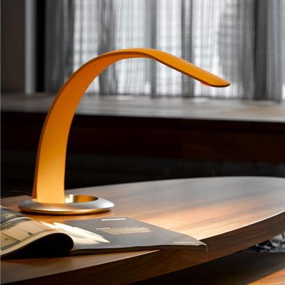 ハタ・テーブルランプ 高さと角度が自由自在に調節できるテーブルランプ LED対応 LED照明 スタンドライト 間接照明 フロアライト デスクライト/QisDesign/ハタ・ヨガ/グッドデザイン賞/レッドドットデザイン/hatha 想いを繋ぐ百貨店【TSUNAGU】