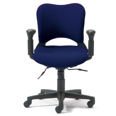 PLUS(プラス)オフィス家具 防炎仕様クロスチェア Oval ゼネラルタイプ・フロントアジャスト肘付 ローバック W(幅) D(奥行き) H(高さ)