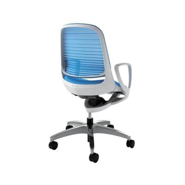 オカムラ チェア Luce(ルーチェ) ホワイトフレーム デザインアーム ナイロンキャスター [白色 オフィスチェア 事務用チェア オフィス用品 オフィス用 オフィス家具 チェア 椅子 イス 事務椅子 デスクチェア パソコンチェア]
