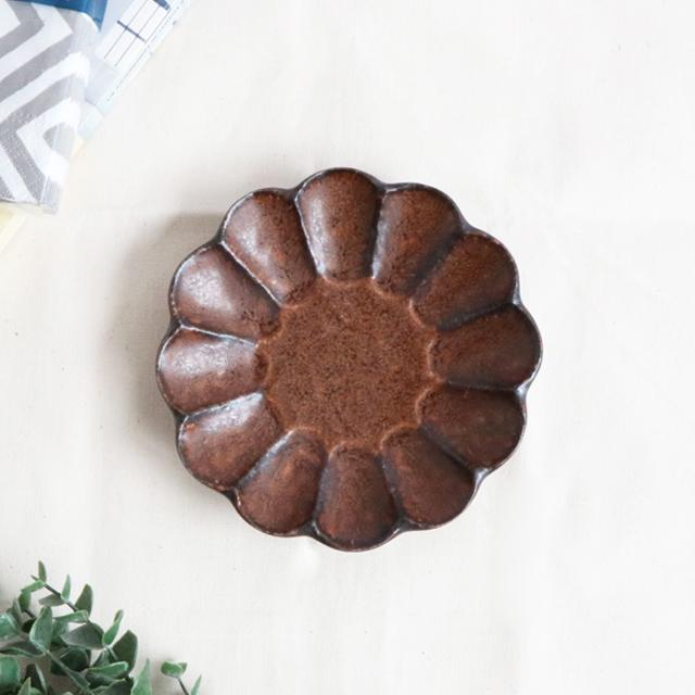 おやつの時間にぴったり☆かわいいリンカプレート 磁器 プレゼント 14.5cm りんかプレート ブラウン 美濃焼 日本製 おしゃれ かわいい プレート 家カフェ 予約販売 小さい皿 おやつ 食器 和食器 おうち時間 皿 小皿 うつわ お菓子
