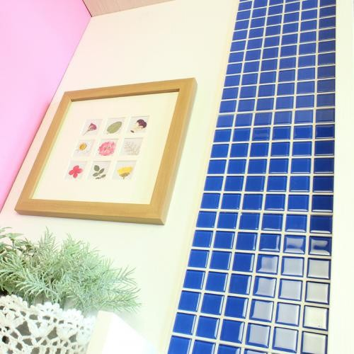 送料無料 DIY TILE モザイクタイル ガラス ブルー ふしぎなシール 10シート