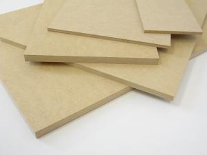 安定した素材だから扱いやすい 再販ご予約限定送料無料 MDFは家具材としても注目 MDF 5.5×900×900mm DIY ボード 板 全国どこでも送料無料 木工 木材 工作