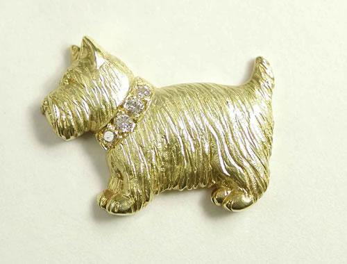 K18ダイヤモンド入りタック式 犬のブローチ