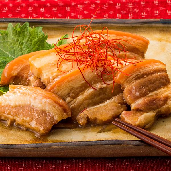厳選された皮付き豚三枚肉を使用し 口の中でとろける食感がたまらないラフテーです 最新号掲載アイテム 沖縄土産にぴったりのラフテーです 琉球美ら御膳らふてぃ 琉球美ら御膳 らふてぃ 全国どこでも送料無料 ラフテー 沖縄土産 B級グルメ お肉 食べ物 250g