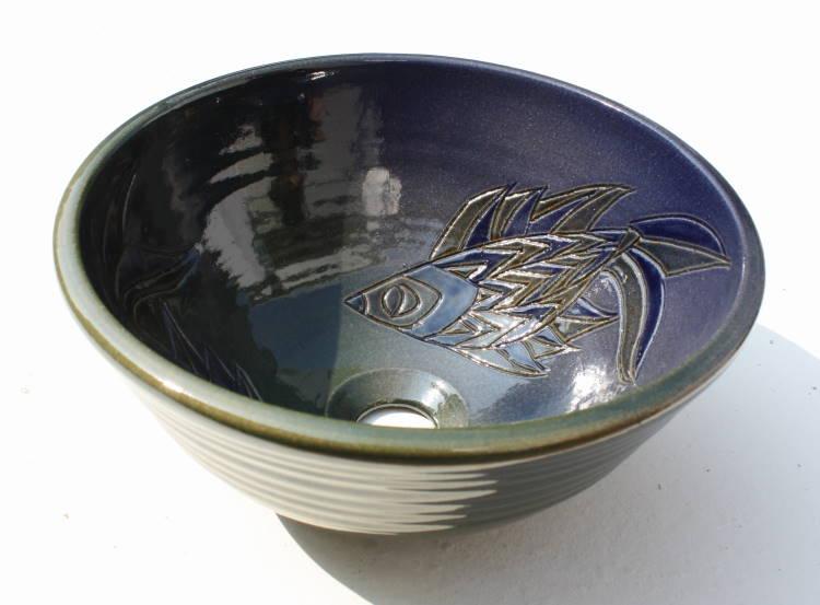 魚紋洗面ボウル/ 洗面ボウル/魚紋洗面鉢/沖縄陶器やちむん製[洗面鉢][洗面ボール][洗面ボウル][手洗い鉢][手洗いボール]NO-56