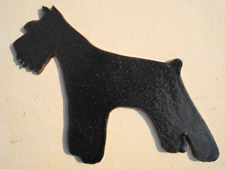 [送料無料]犬のデザイン・シルエット・新作・陶器:焼き物の表札[犬の表札 7]