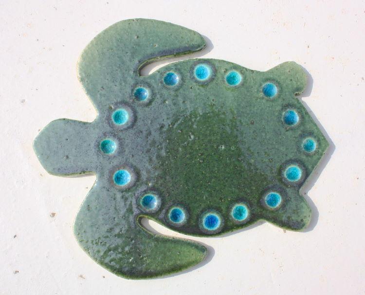 [送料無料]陶器:焼き物の表札・琉球ガラス[ウミガメの表札20]ジンベイサメ