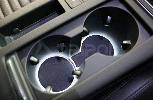 【セールクーポン配布中】【送料無料】VW パサート/ヴァリアント B8専用ドリンクホルダーLEDイルミネーション