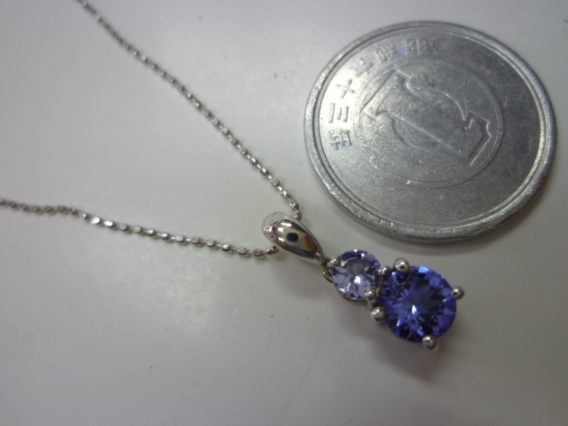 K18WG,石入り デザインネックレス【中古】