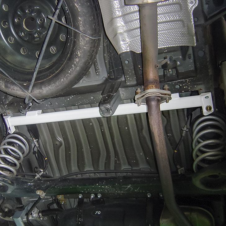 メーカー直販 基幹部分の接点を増やし ボディ剛性を高めます SALE 新登場 毎日がバーゲンセール 50%OFF トヨタ フレームブレース エスティマ センター MCR30W ACR30W