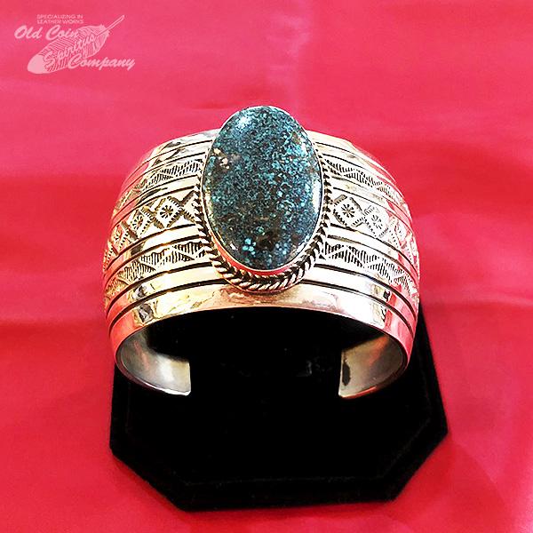 インディアンジュエリー バングル ナバホ ブレスレット シルバー ターコイズ Indian jewelry - bracelet - Kingman Mt キングマン 鉱山 メンズ レディース ギフト プレゼント おすすめ 最大幅41.3mm