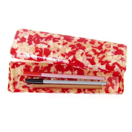 赛璐珞的铅笔盒