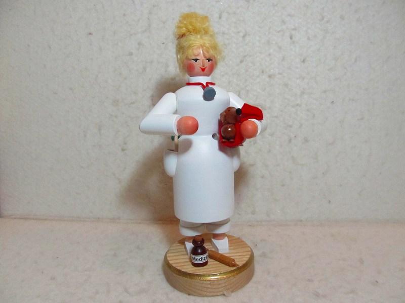 【即日発送可能】煙だし人形・女性の獣医さん お香立て ザイフェン エルツ エルツのおもちゃ
