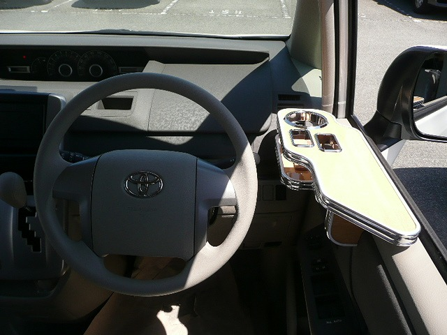 70系ヴォクシー サイドテーブル運転席側