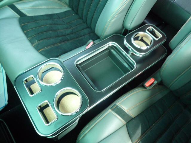 対応型式:RB3 激安通販ショッピング 4 HDDインターナビシステム装着車 アブソリュートには取り付け不可 数量限定 22色から選べる 08 RB3 10~ 専用コンソールホルダー 4オデッセイ 大放出セール
