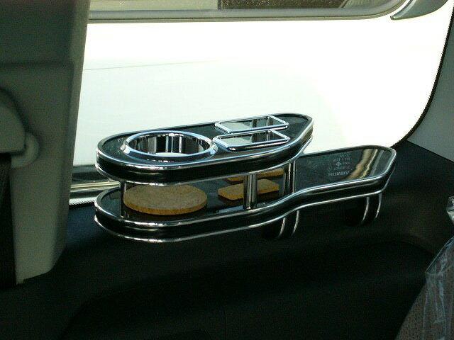 RGステップワゴンサイドテーブル サード右側