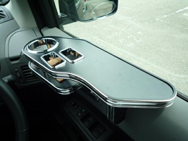 T31エクストレイル(07/8~) サイドテーブル 運転席側