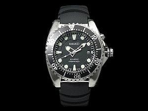 SEIKO kinetic divers watch black dial urethane belt SKA371P2