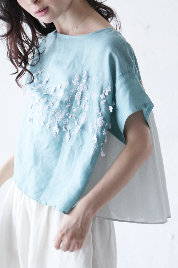 【再入荷♪7月7日12時&22時より】(ブルー)「french」刺繍揺れるふんわりトップス