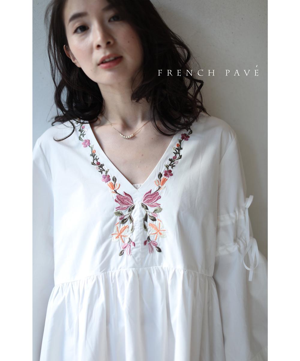 (M~L対応) 【再入荷♪4月29日12時&22時より】「FRENCH PAVE」Vネックに沿う花刺繍のティアードチュニックトップス