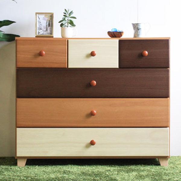 90ローチェスト 3色で構成された、ナチュラルテイストのチェスト。天然木を色分けして塗装した個性的なデザインで、単なる「家具」ではなく、お部屋を彩るオブジェ感覚で置いていただけるアイテムです。【【日本製】【完成品】