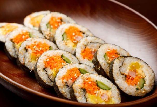 電子レンジ簡単調理、いつでも食べたい時たべれる。 選べるキンパ6本セット 好きなキンパを好きな分 選べられる。お得 冷凍キンパ 韓国風のり巻き 夕食 おやつ 韓国食品 オンギージョンギー 韓国料理 ギフト お土産