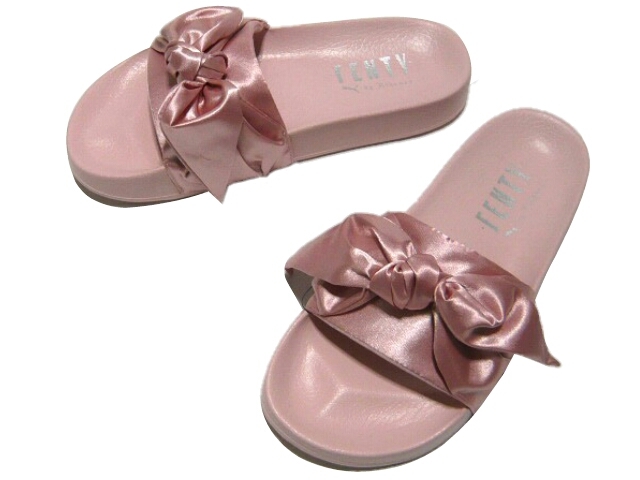 brand new 1e8f0 37900 Rihanna Puma satin ribbon sandals ★ 2017SS new article pink FENTY PUMA  RIHANNA STAIN BOW SLIDE article number 365774 03