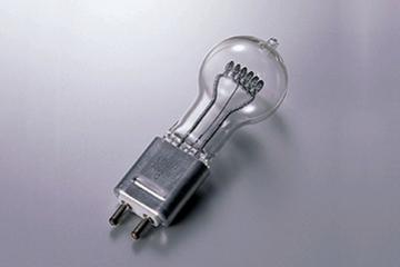 【ウシオライティング】(10個セット)JCD100V300WCP ハロゲンランプ標準タイプ ピンタイプ G5.3口金TV・写真スタジオ/舞台照明用【返品種別B】