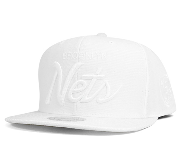 low cost 5b793 b3f9b Mitchell and Ness snap back Cap traditional script Brooklyn nets white hat  MITCHELL NESS SNAPBACK CAP ...