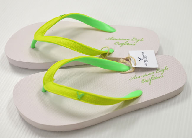 7a78cb8e1be OOPARTS  ☆ American Eagle flip flops  M (white   light green ...