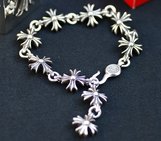 Chrome CHROME HEARTS ◆ cutout CH cross bracelet