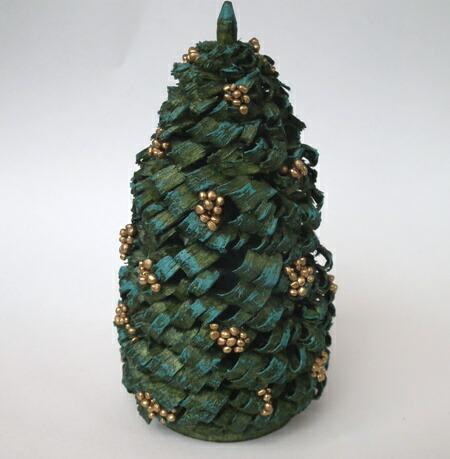 金の玉飾りのもみの木