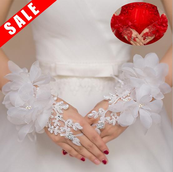 ウェディング用に 花嫁の必需ブライダルに最適な手袋です ウェディンググローブキュービックジルコニア 結婚式 ドレスグローブ ネコポスは送料無料 フィンガーレス 大決算セール 正規品送料無料