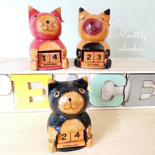 ねこ 卓上カレンダー マンスリーカレンダー バリ木彫り 猫 木彫り アジアン雑貨 特別セール品 猫の置物 エスニック 推奨