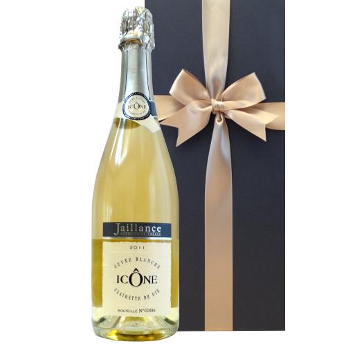 【20代男性】成人祝いに贈りたい。生まれて初めて味わうワイン!おすすめの1本は?