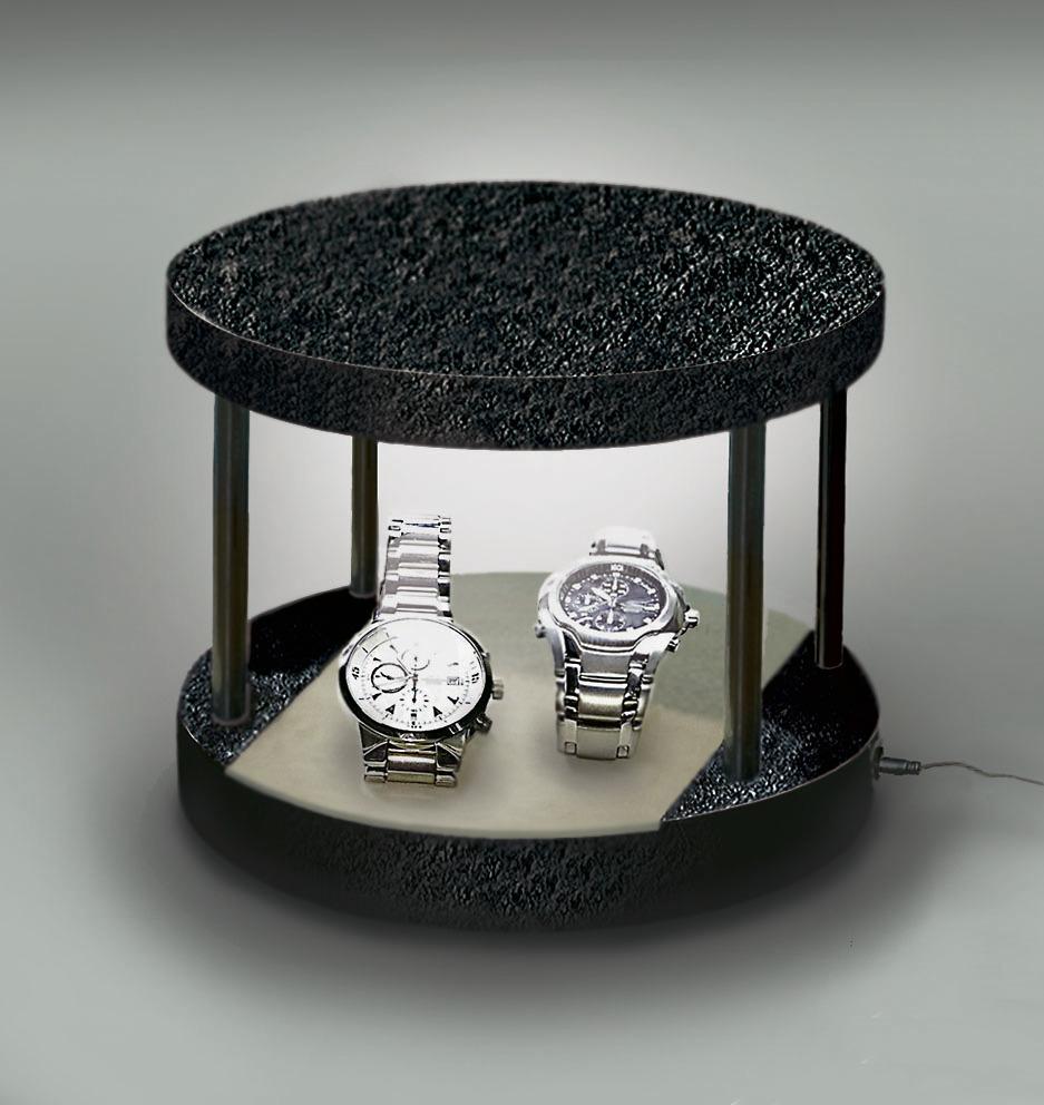 丸コンパクトで2本の腕時計を充電します。(腕時計は見本です)