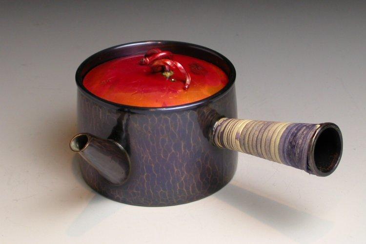 送料無料 激安 高品質 お買い得 キ゛フト 茶湯がまろやかに感じられる茶器鎚起工房 清雅堂 鍛金作家による鍛金の急須 手づくり銅器 茶器 茜色 ひねりつまみ 急須