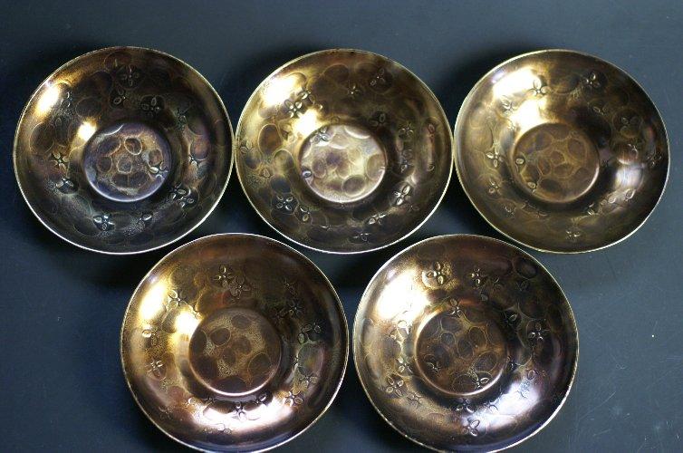 送料無料 手作り銅器 茶托 金付燻 花打 茶器 大放出セール 大 未使用 5枚セット 工芸ギフト